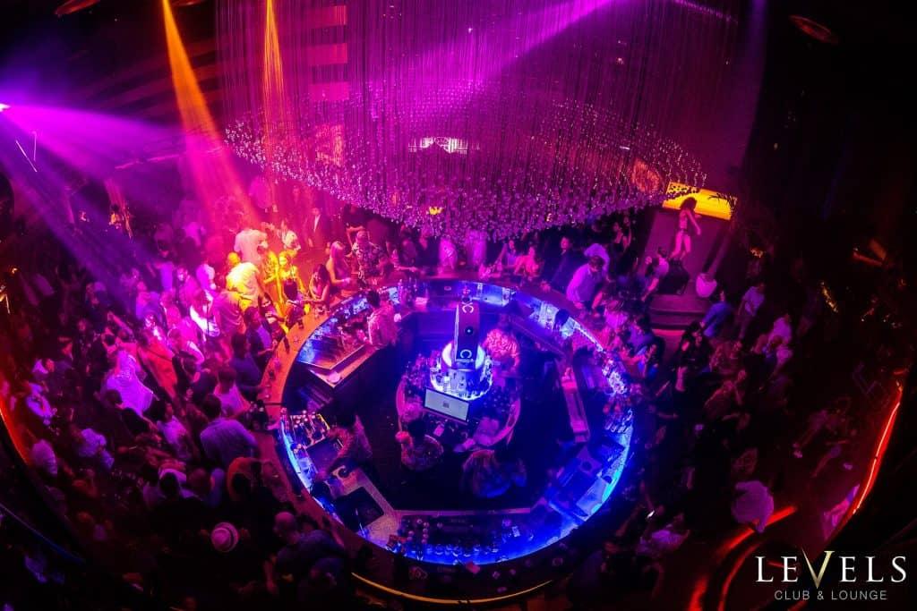 Nachtleben in Sukhumvit 11 - Levels Club