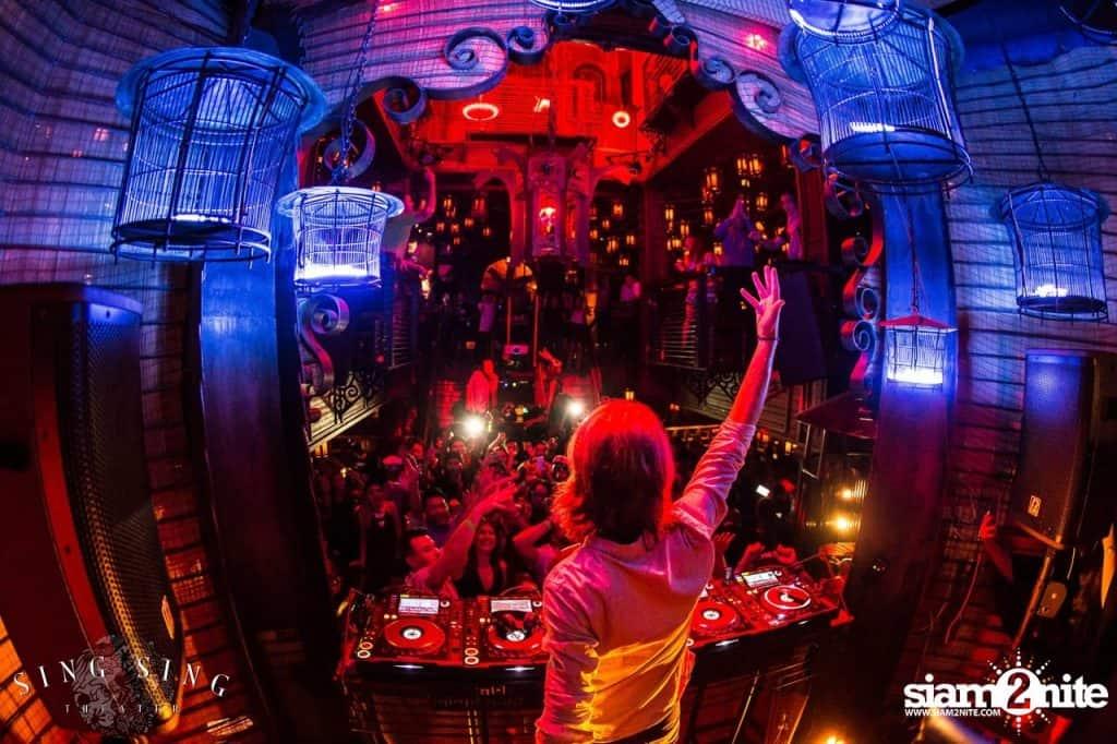 Nachtleben in Thonglor - Sing Sing Theater